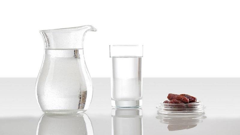 متخصص تغذیه اصفهان حفظ سطح مایعات در ماه رمضان